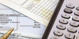 documenti e una calcolatrice