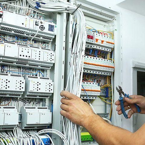 assistenza su impianto elettrico