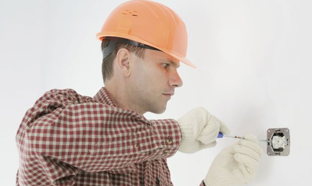 electrical panels contractor in Augusta, WI