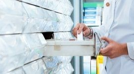 prodotti farmaceutici dermatologici, dispositivi medici, spazzolini elettrici