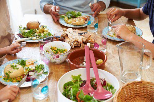 Peoples eating healthy food