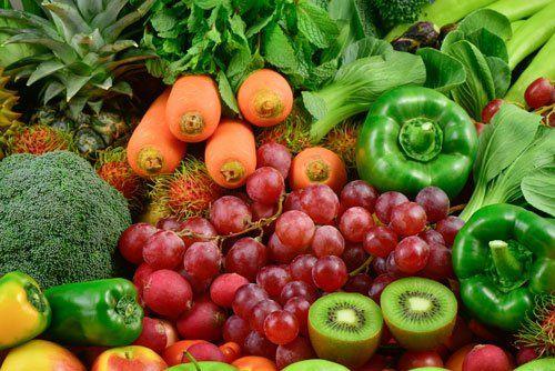 insieme di frutta e verdura di ogni genere a Roma