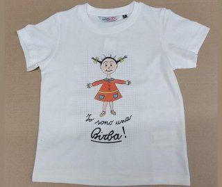 maglia bianca con scritto  Io sono una Birba e una bambina disegnata