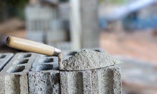 Mattone e piana con cemento