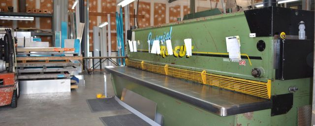 Professional sheet metal equipment