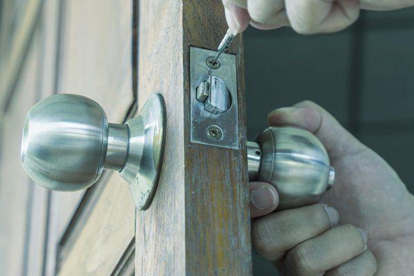 Riparazione di una serratura