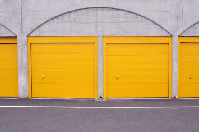 Yellow Garage Door Home Desain 2018