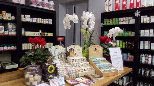 vista di un negozio con prodotti naturali