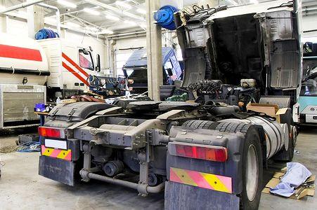 Resultado de imagen de truck repair service