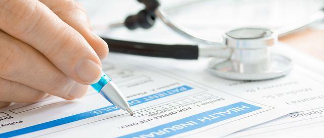 Medical health care expert completing medical claim form in Kailua-Kona, HI