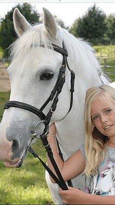 childrens horse riding lessons