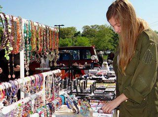 Flea market queens ny suffolk county nassau county for Craft fairs in ct december