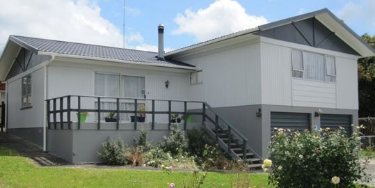 Whangarei house renovated with full exterior painting and waterblasting done by Wa
