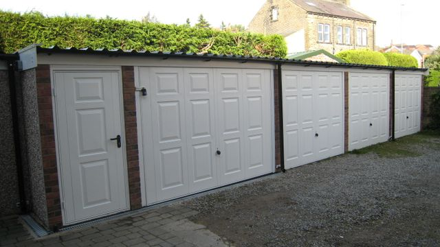 Made-to-measure garages