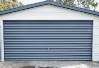 Shutter garage