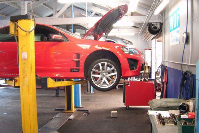Car repairs underway in Auckland