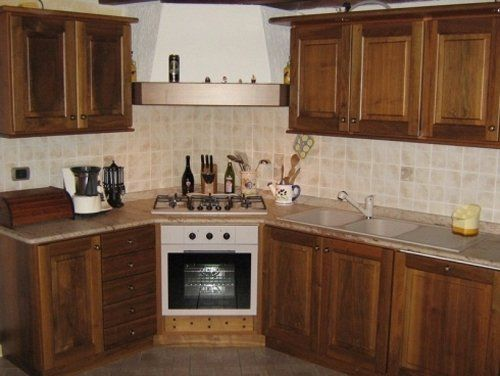 Arredo cucina in legno a Pollein