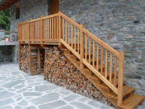 Scale esterne in legno a Pollein