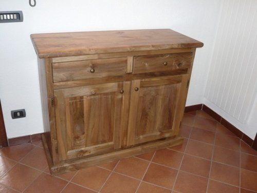 Restauro mobili in legno a Pollein