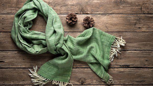 una sciarpa verde