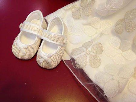 scarpe e vestito da cerimonia per bambina