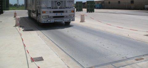 autobus sulla strada