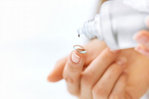 lente a contatto con liquido
