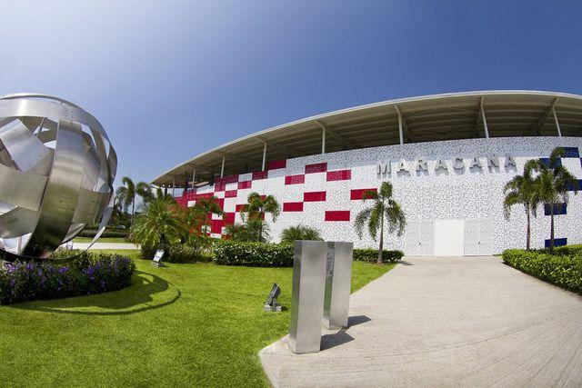Estadio Maracaná Puertas y accesos metálicos