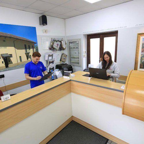 reception del centro medico