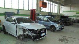 auto sinistrata, incidenti stradali, soccorso auto