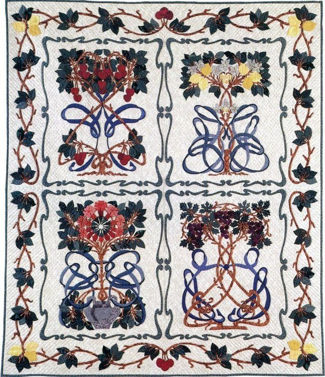 Toujour Noveau Quilt by Suzanne Marshall