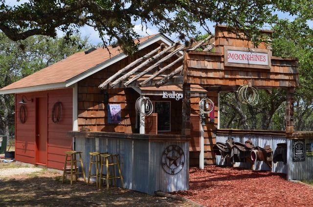 Cowboys & Angels – Cabins and RV Getaway