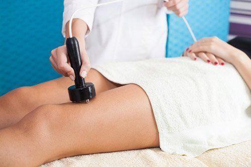 trattamento di radiofrequenza su una gamba
