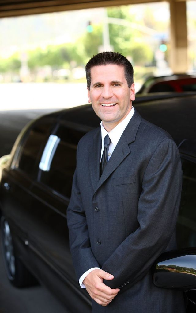 For a high class chauffeur service in Auckland