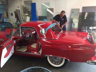 Image of auto glass replacement in Cincinnati, OH