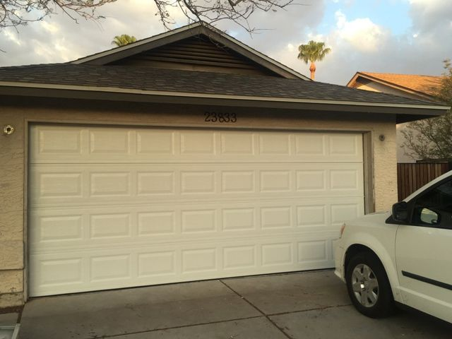 Attirant Brand New Garage Door Installed