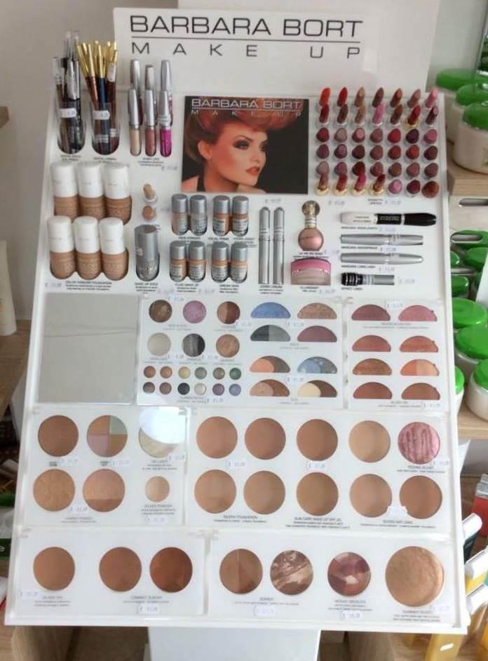 assortimento prodotti di bellezza presso C.M Create your style a Manduria