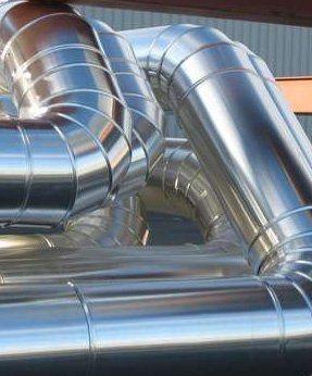 dei tubi in acciaio