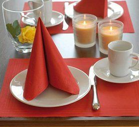 red plate napkin