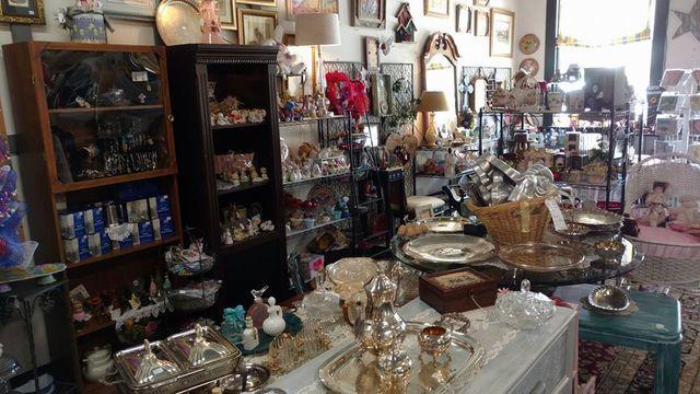 Vintage Furniture Houston, TX - Crosby Antique Mall Antique Furniture Houston, TX Resale Shop