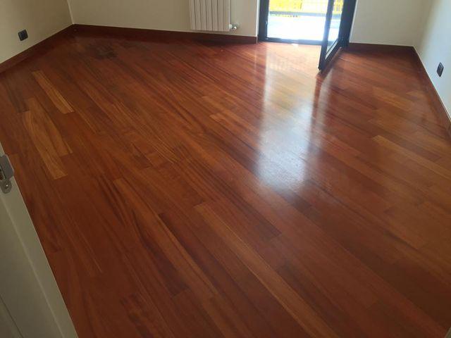 pavimento cin legno