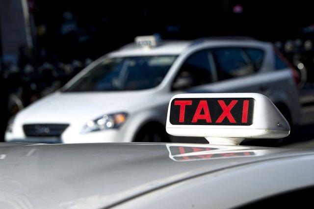 taxi parcheggiati