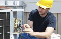 Expert is working on electrical cable in Whitianga