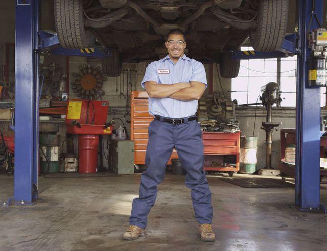 a car AC repair expert in Hinesville, GA