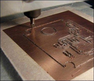 incisione su lastra di metallo
