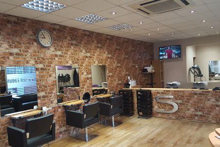 hair cutting salon