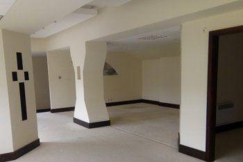 office building pillars