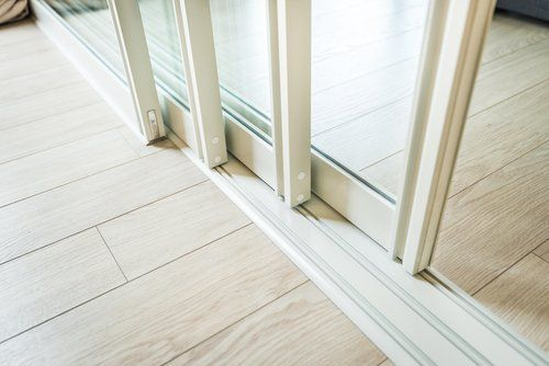 porta finestra scorrevole bianca