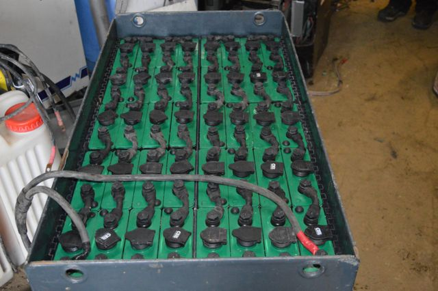 batteries for forklifts