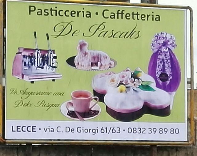 Cartellone pubblicitario per Pasqua della Pasticceria De Pascalis